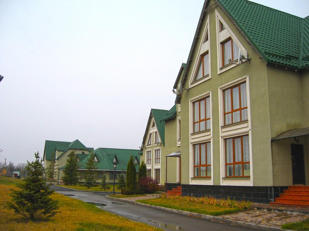 Отельный комплекс- Водяники