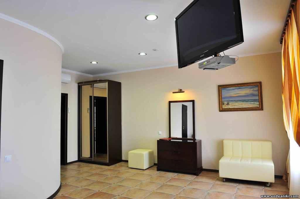 Готель водяники-номер полулюкс